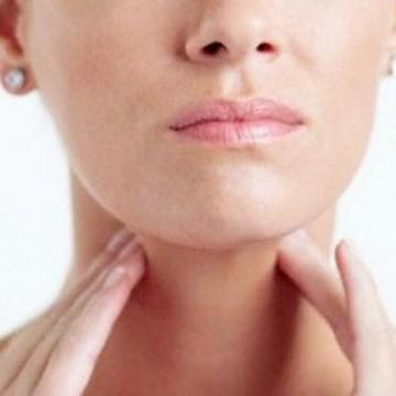 Inflamações na região da garganta são comuns após o Carnaval