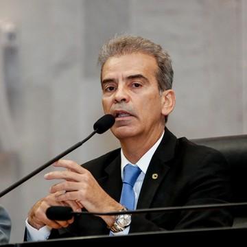Feitosa cobra ao governo do Estado liberação das emendas impositivas