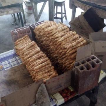Procon-PE faz vistoria em fábrica clandestina de canudinhos