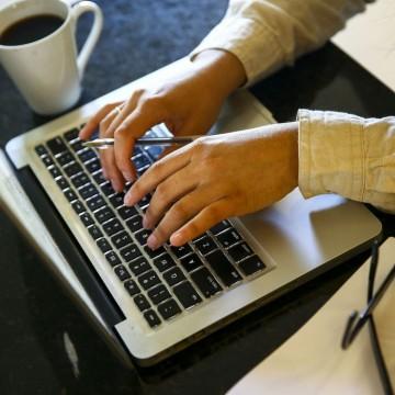Trabalho digital cresce 5 vezes e ameaça os direitos trabalhistas