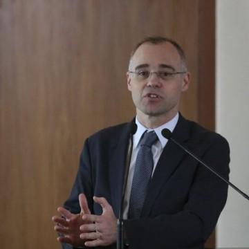 Ministro da Justiça pede mais rigor contra agente público que vazar dados sobre lavagem de dinheiro