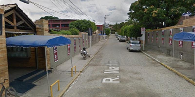 Após receber os primeiros socorros, o homem foi encaminhado para o Hospital Miguel Arraes, em Paulista