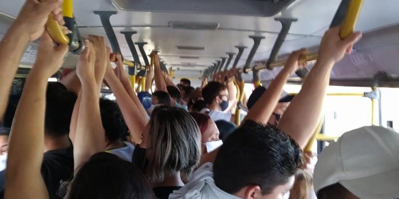De acordo com o levantamento da Fiocruz, os terminais de passageiros registraram 48,7% das amostras positivas