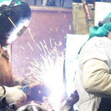Índice de confiança da indústria sobe em dezembro