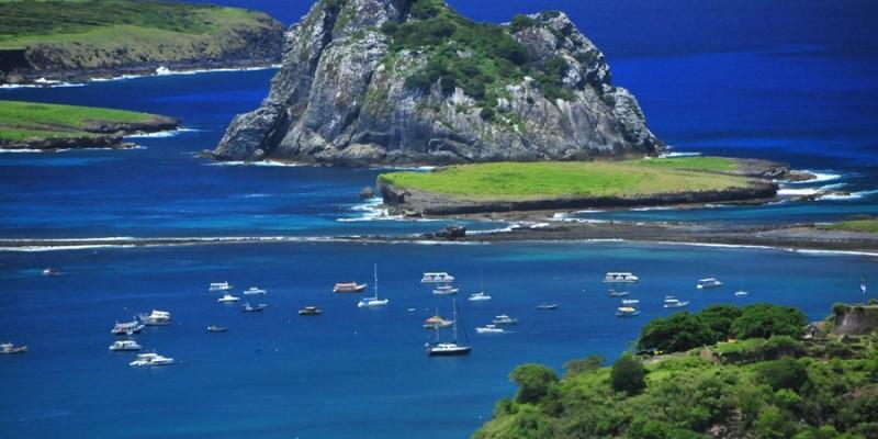 O imposto é cobrado por dia de permanência dos visitantes na Ilha e a legislação determina o reajuste anual da valor de acordo com a inflação
