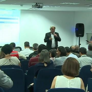 Medidas são anunciadas em reunião para debater óleo no estado