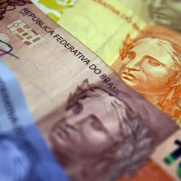 Ipea diz que investimentos têm queda de 18% em abril