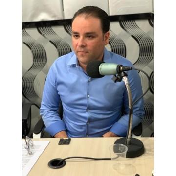 Gustavo Matos denuncia descaso da gestão de Camaragibe com os profissionais de saúde