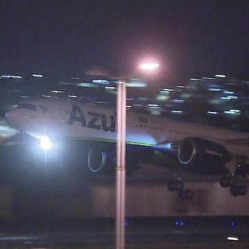 Avião que buscaria vacinas na Índia tem rota alterada e segue para Manaus (AM)