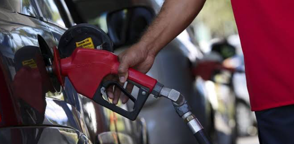 Petrobras anuncia novo reajuste no preço do gás de cozinha e gasolina