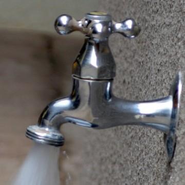 Pernambuco firma parceria com governo britânico para reduzir perda de água