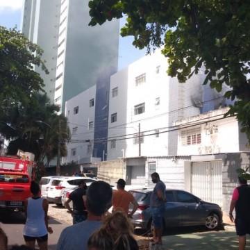 Incêndio assusta moradores de um prédio em BV