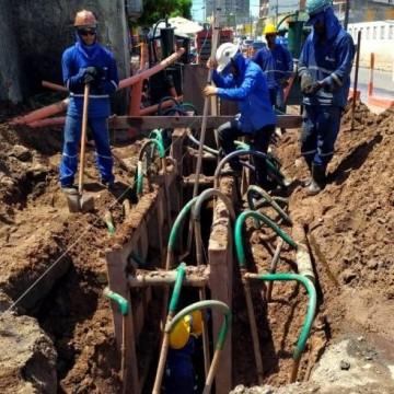 Obras do sistema de esgotamento sanitário seguem no bairro de Candeias
