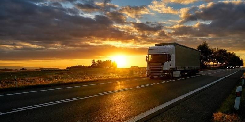 De acordo com pesquisa da Confederação Nacional do Transporte, quase 75% das empresas do setor tiveram queda de demanda em junho
