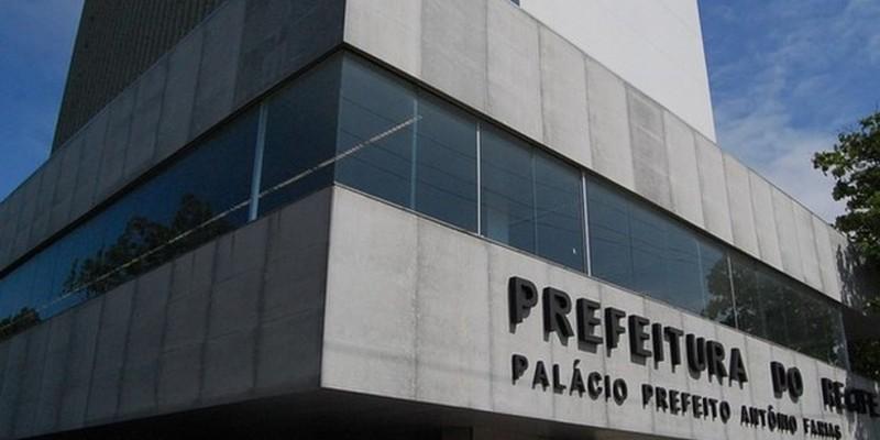 Segundo a prefeitura do Recife, os cortes podem chegar a cifra dos R$ 180 milhões até o fim deste ano