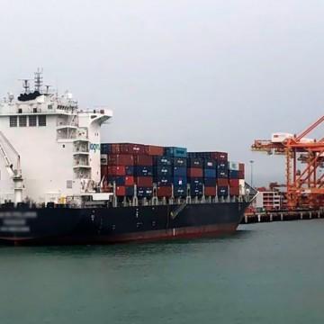 Navio fica atracado no Porto de Suape após caso confirmado de Covid-19