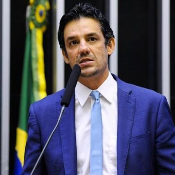Daniel Coelho defende modelo de distrital misto, mas vê com 'ceticismo' mudança profunda no sistema eleitoral