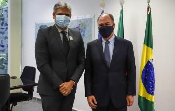 Senador Fernando Bezerra recebe prefeito Mario Ricardo