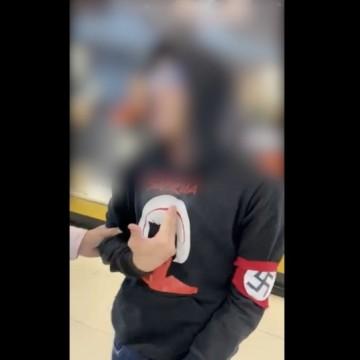 Adolescente usando faixa nazista no braço é expulso de shopping em Caruaru