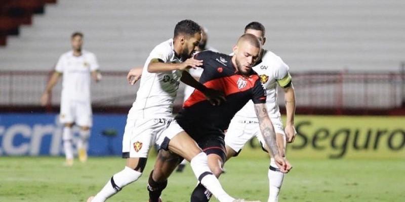 Atlético-GO e Sport empataram por 1 a 1 no estádio Antônio Accioly, em Goiânia.