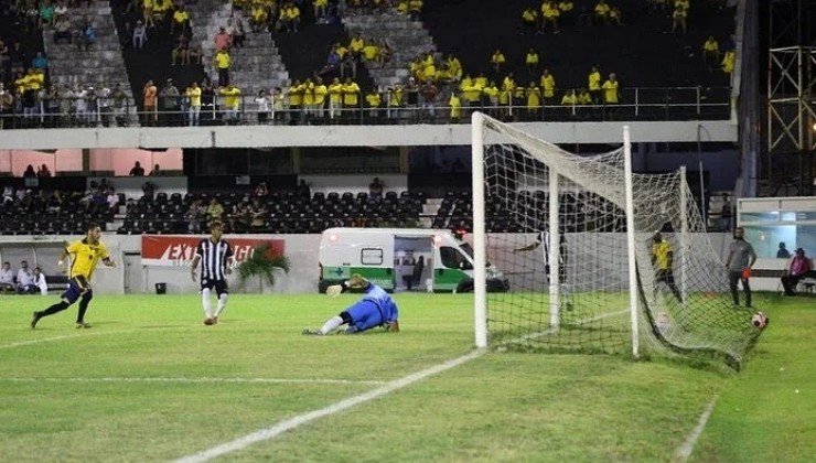 Central joga mal e perde na estreia do Campeonato Pernambucano