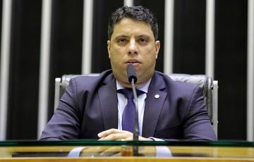 Deputado cobra votação de projeto que altera legislação das barragens