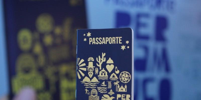 O documento lúdico, criado pela Secretaria Estadual de Turismo, dá a possibilidade de moradores e turistas conseguirem comprovar os passeios feitos no território
