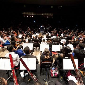 Orquestra Criança Cidadã homenageia professores em recital online