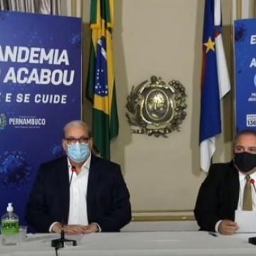 Vacinação de adolescentes é mantida em Pernambuco