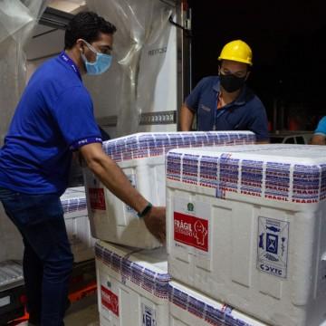 Pernambuco recebe novo lote de vacina da Astrazeneca