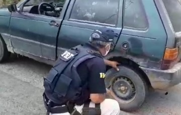 Carro totalizando quase R$ 10 mil em 51 multas é pego pela PRF em Caruaru