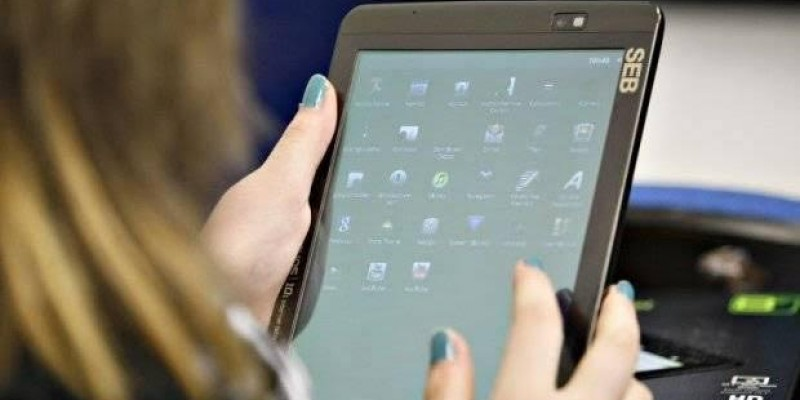 O documento publicado no Diário Oficial indica que a aquisição dos tablets será parcelada