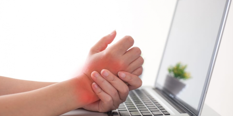 A lesão por esforço repetitivo pode ser tratado com remédios até cirurgia