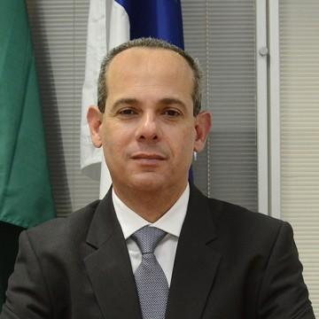 Secretário de Educação apresenta números da pasta para deputados estaduais