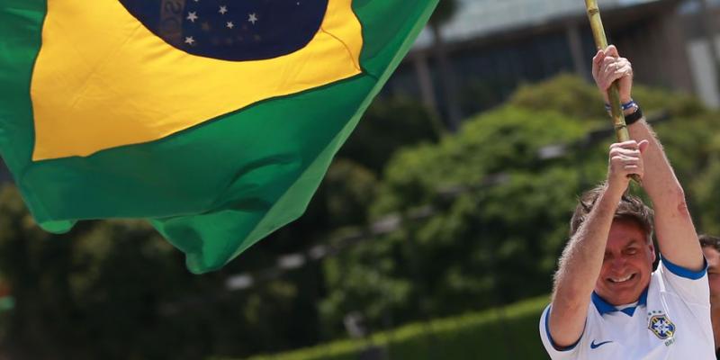 Em Pernambuco, mesmo com proibição do estado para aglomerações, o ato reuniu mais de 500 pessoas