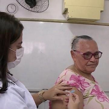 Campanha de vacinação contra gripe vai até as instituições de idosos em Olinda