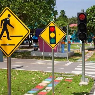 Escola Pública de Trânsito dialoga com estudantes sobre as Leis de  Trânsito