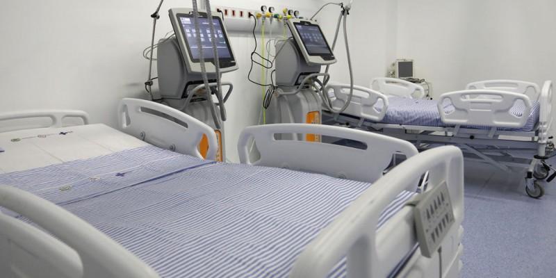 Segundo a Secretaria Estadual de Saúde, das 1.504 vagas de terapia intensiva da rede pública, 53% estão ocupadas.