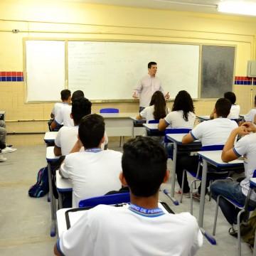 Jaboatão e Paulista inciam período de matrícula escolar
