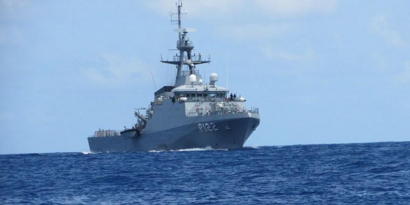 Embarcação foi encontrada a 270 km da costa do Recife