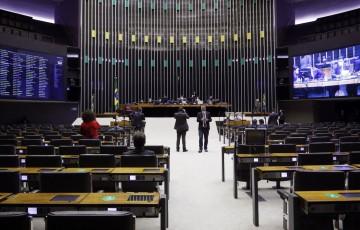 Deputados derrubam veto à desoneração da folha de pagamentos