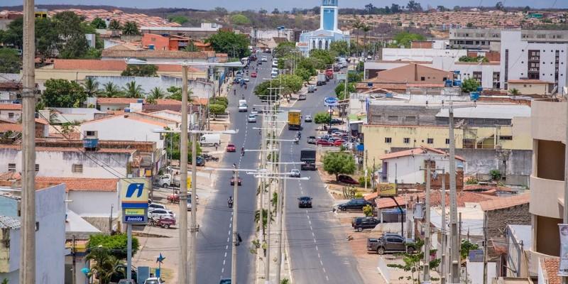 De acordo com o prefeito Miguel Coelho (MDB) está liberado o funcionamento de comércio, parques, feiras livres, shopping entre outros segmentos. Os Bares e Restaurantes permanecem de portas fechadas
