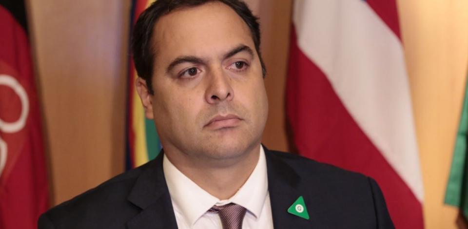 Governador de Pernambuco mantém fechamento do comércio no Estado até o dia 17 de abril