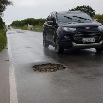 Projeto de lei garante que motoristas possam ser reembolsados quando tiverem carro danificado nas rodovias de Pernambuco
