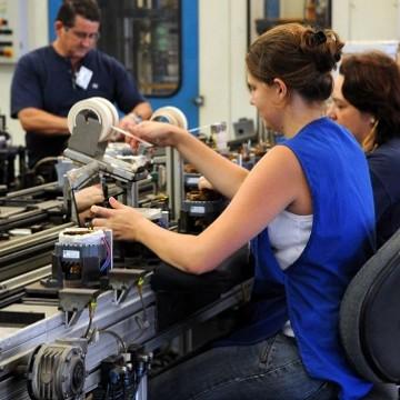 Setor de máquinas e equipamentos tem queda na receita de 3,6%