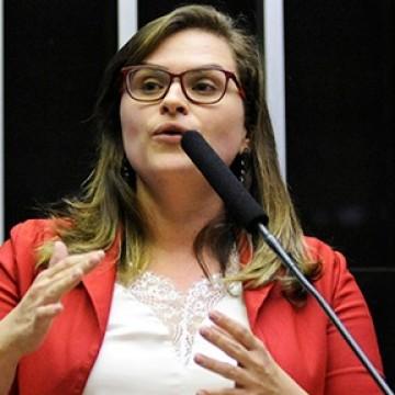 Indecisão relacionada a candidatura de Marília Arraes está fragilizando o PT, aponta cientista política