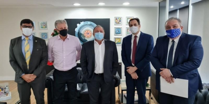 A informação foi confirmada pelo Governador Paulo Câmara, que esteve reunido junto com o Ministro da Saúde, Eduardo Pazuello, em Brasília, nesta terça-feira (15)