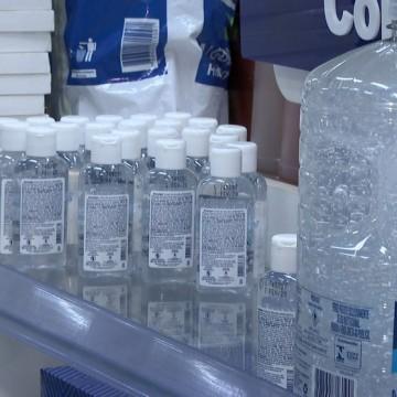 Farmácias passam a fornecer máscaras, luvas e álcool em gel para seus funcionários