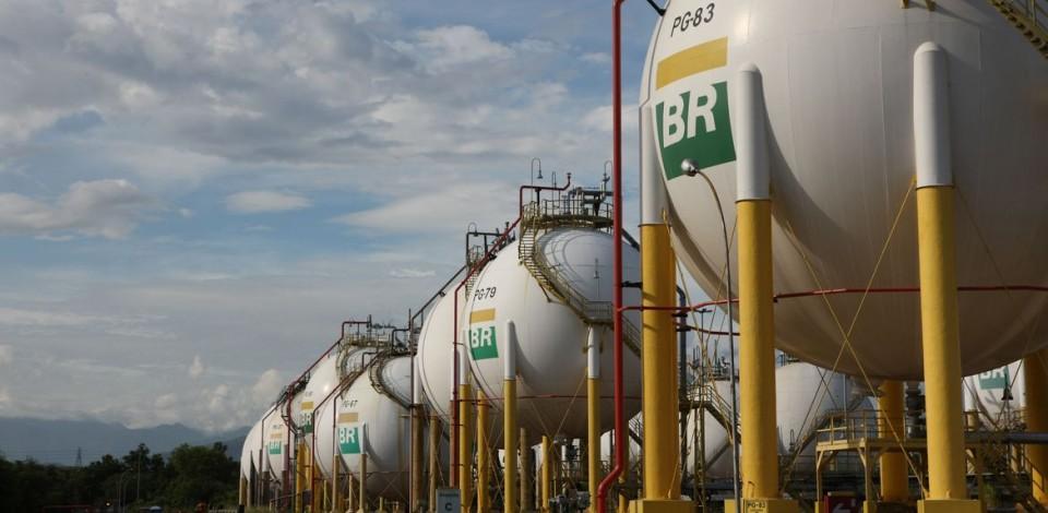 Preços do diesel e da gasolina são reduzidos nas refinarias