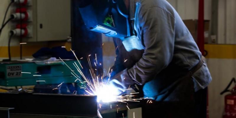 De acordo com o IBGE, o crescimento está em 8,3% na produção industrial considerado a maior alta do país